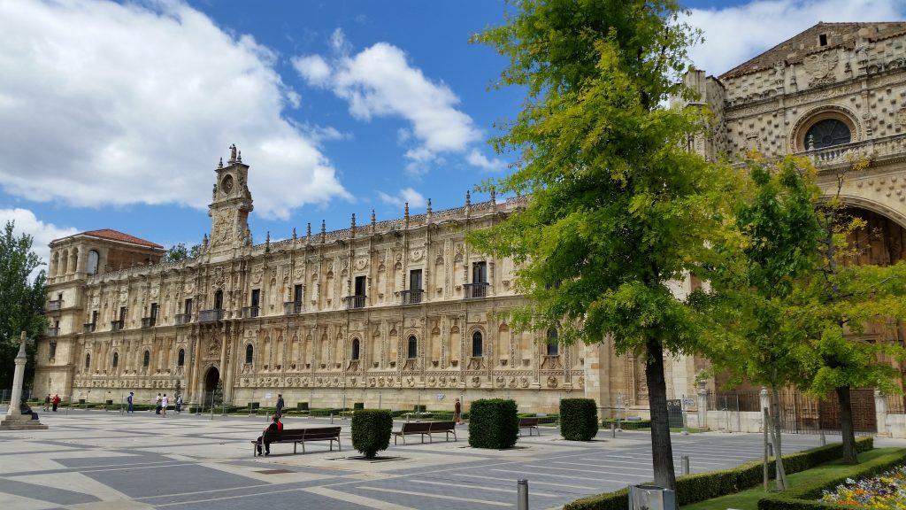 Знакомство с главными историческими сооружениями Леона