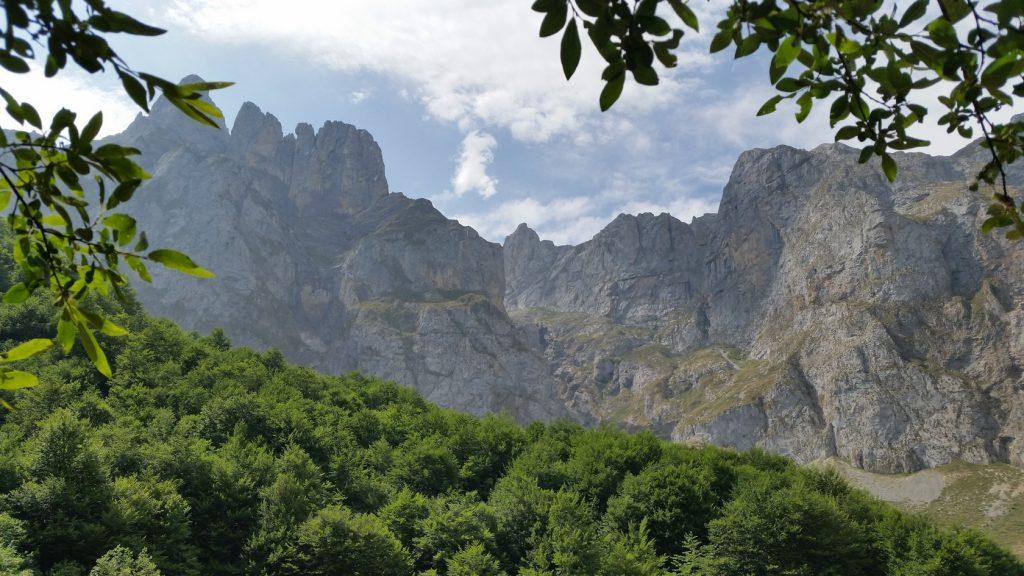 Отдых в горах на севере Испании