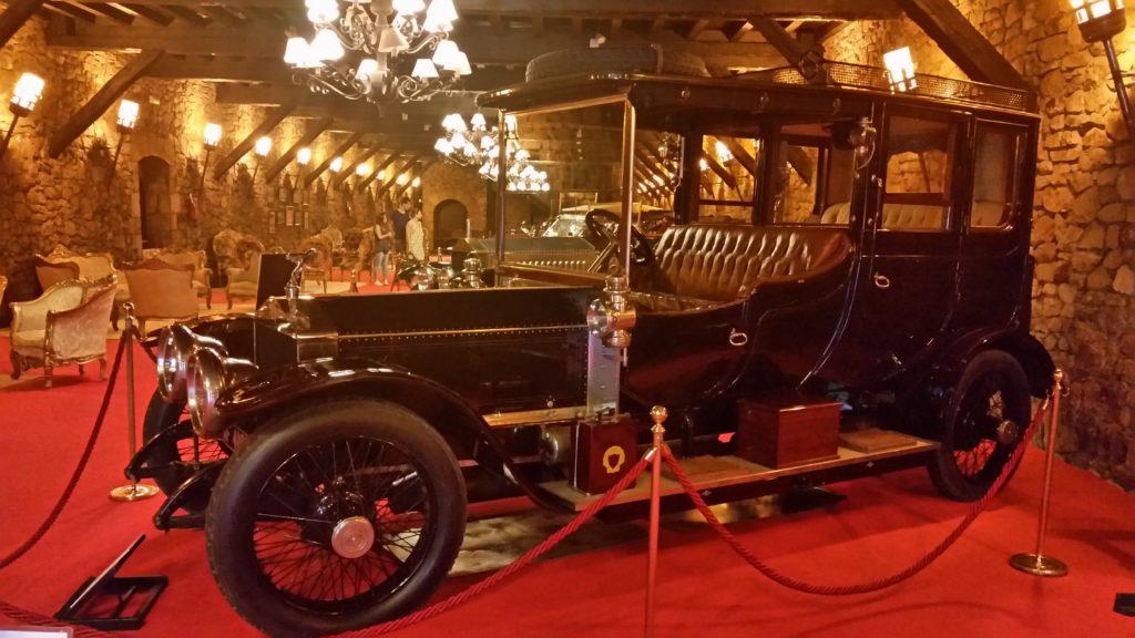 Экскурсия в музей раритетных машин в Бильбао