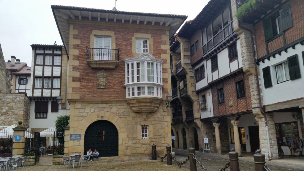 Знакомство с исторической архитектурой Страны Басков