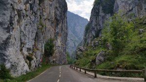 Поездки по горным дорогам в Пиках Европы