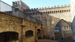 Экскурсии к историческим сооружениям столицы басков