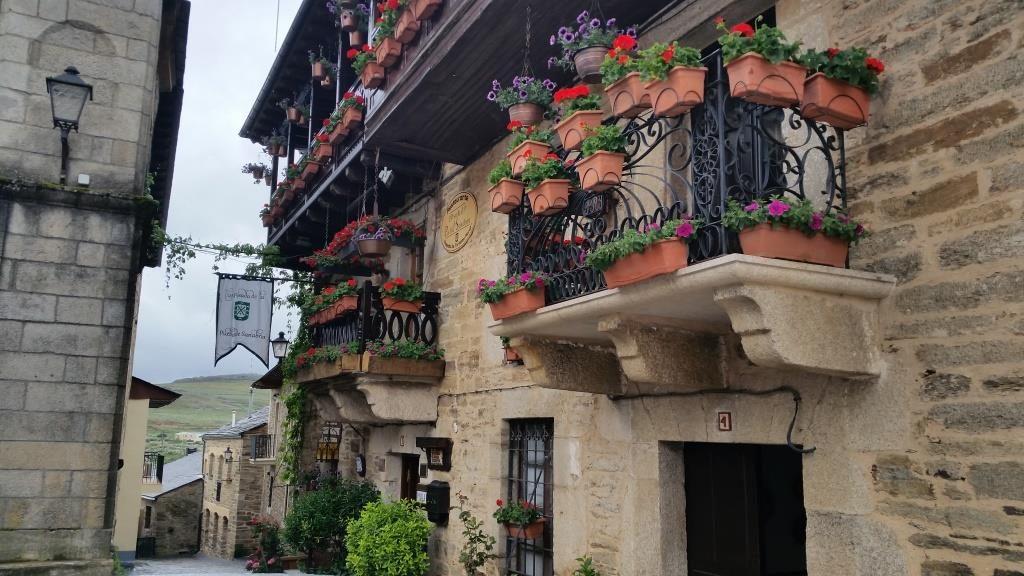 Знакомство с архитектурой красивых селений Кастилии и Леона
