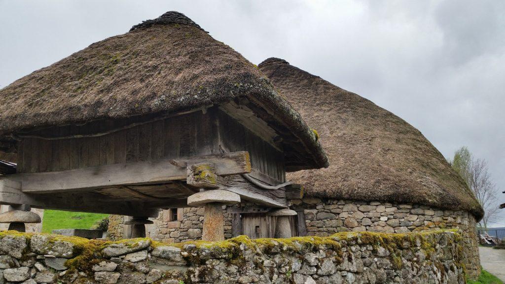 Знакомство со старинными постройками Анкарес