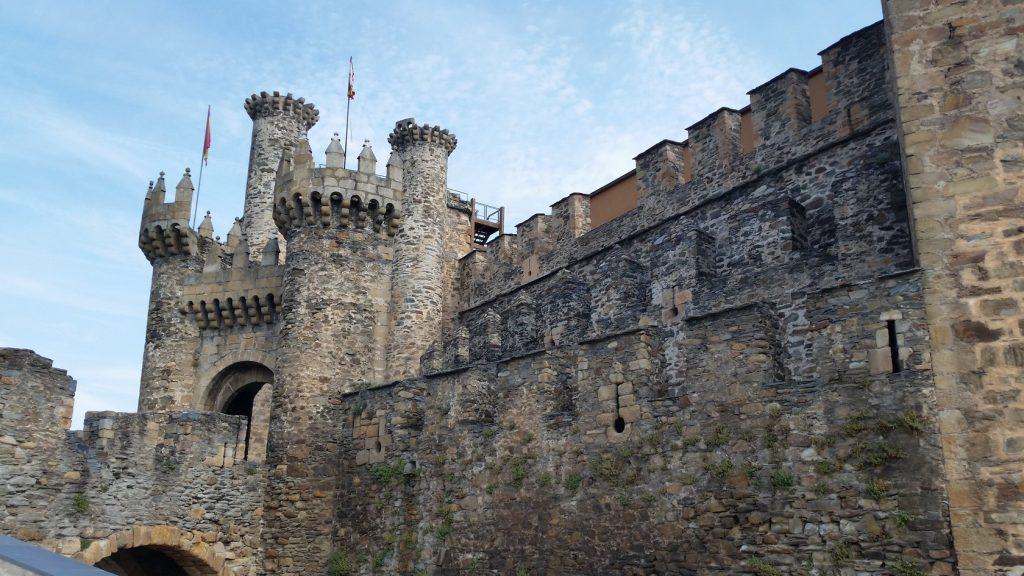 Экскурсии в замок тамплиеров