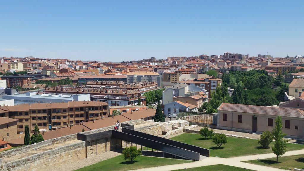 Экскурсии в города с романскими постройками