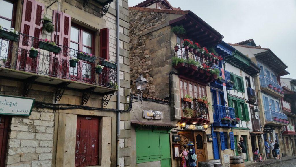 Визиты в интересные города Страны Басков с гидом