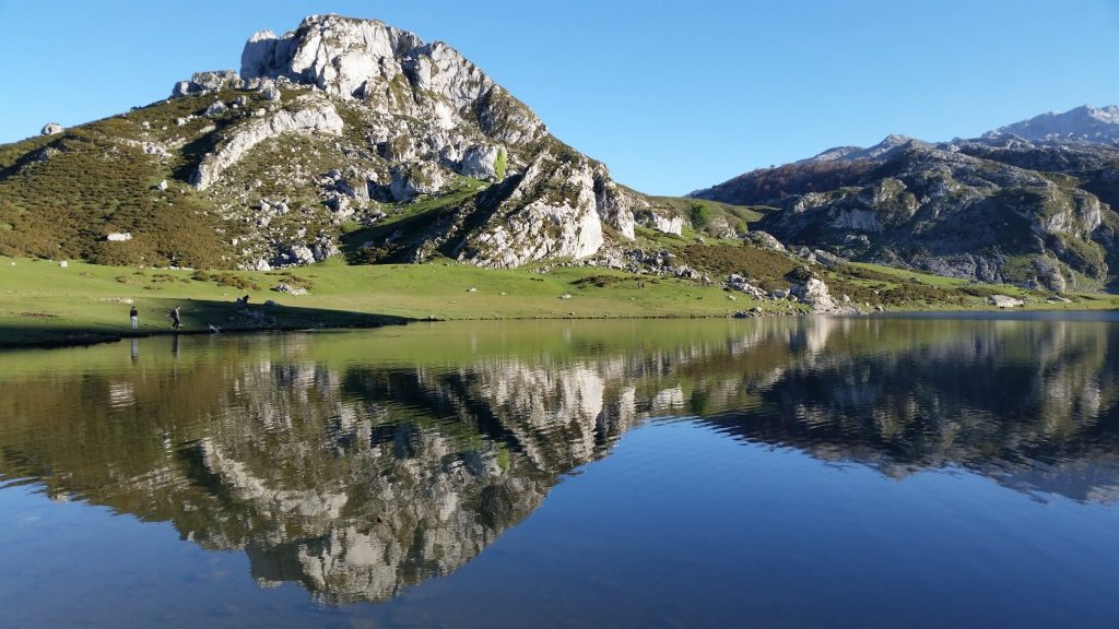 Поезка к горным озерам Астурии