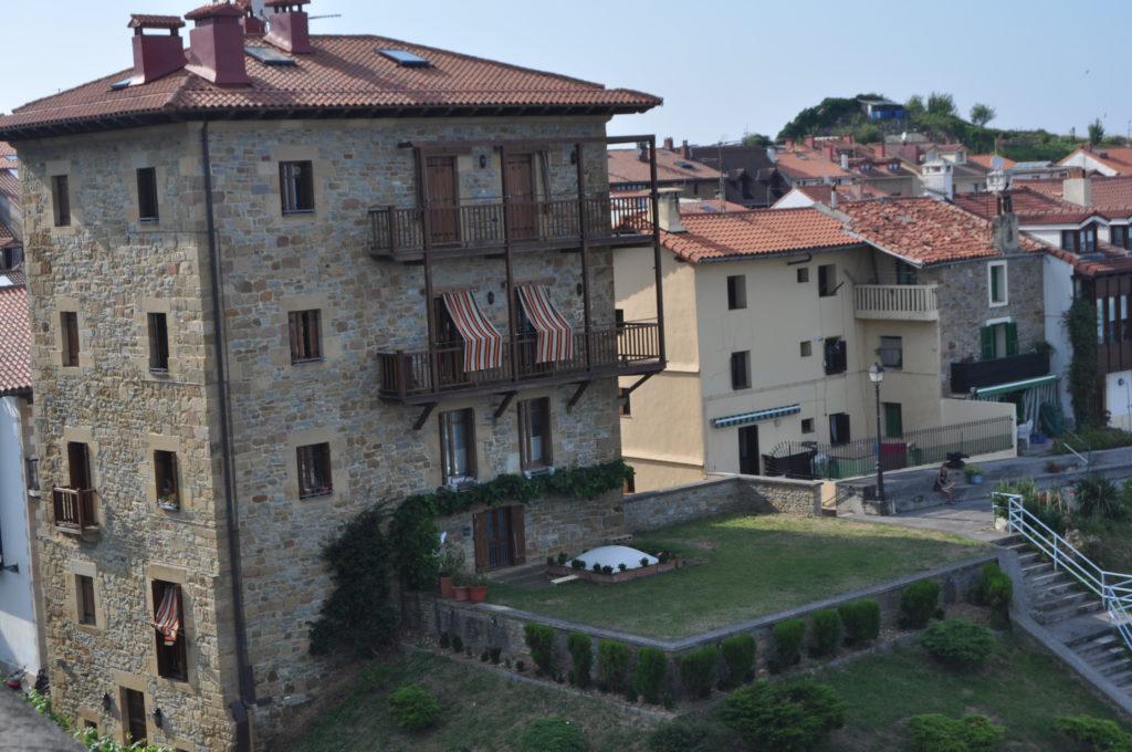 знакомство с архитектурой баскских селений