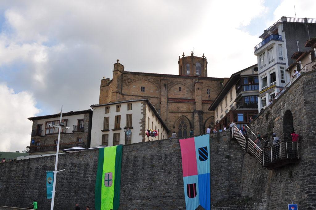 посещение церквей в баскских поселках