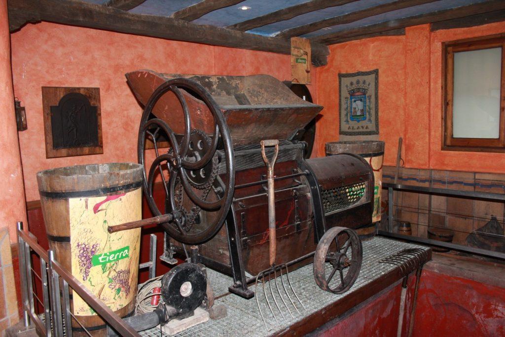 Экскурсии на производство в исторические винодельни на русском языке