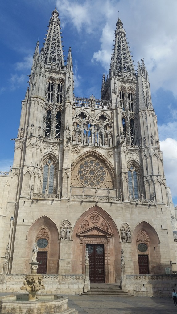 Посещение соборов на центральном пути паломников в Сантьяго