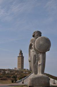 Скульптура Геркулеса у древнеримского маяка Ла Коруньи