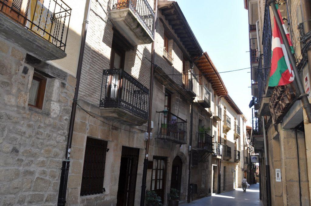 Знакомство с особенностями архитектуры Риохи