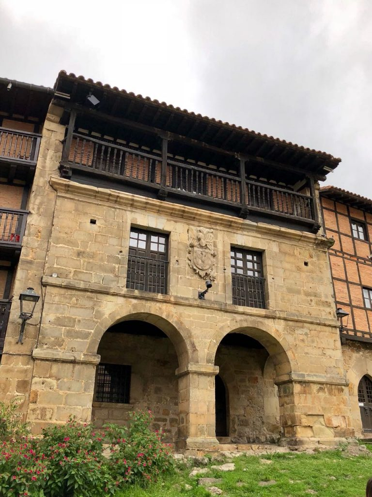 Экскурсии в исторические селения северной Испании