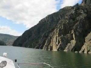 Экскурсии на катамаране по каньону реки Силь