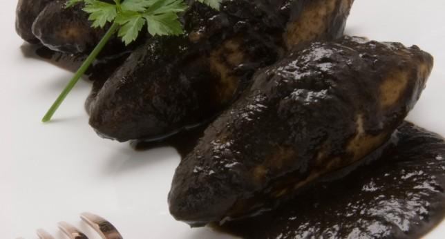 Chipirones (Calamares) en su tinta – кальмары в соусе из собственных чернил.