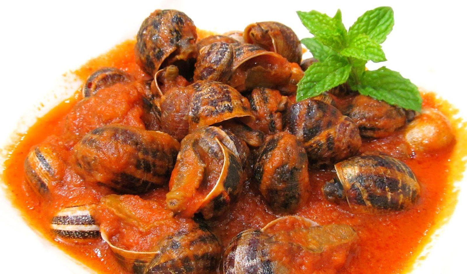Сaracoles en salsa – улитки в соусе.