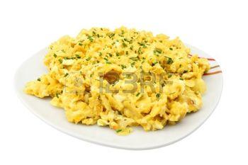 Revuelto – яичница-болтунья с добавлением грибов, спаржи, шпината, лосося и т.д