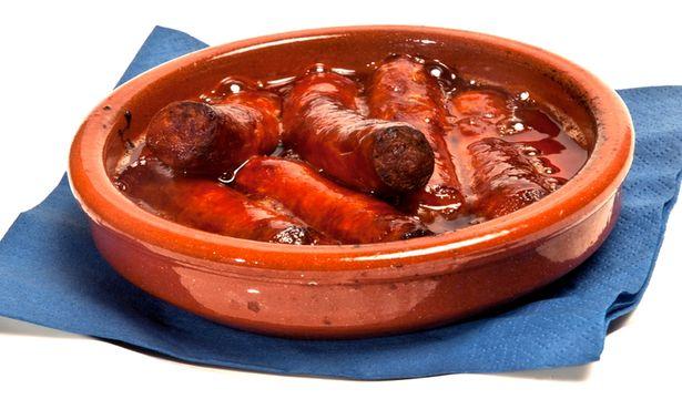 Chistorra- свиная колбаса с красным перцем, паприкой.