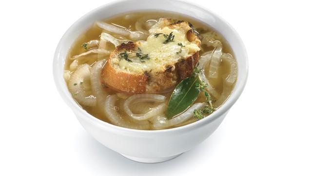 Sopa de cebolla –луковый французский суп с гренками и сыром.