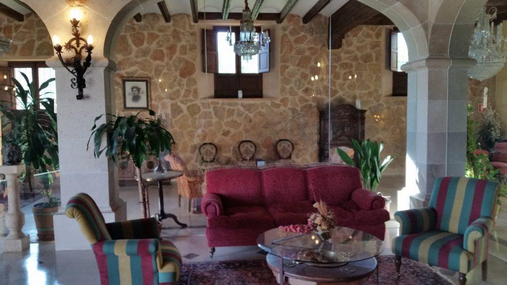 Организация отдыха в отелях винодельнях Испании