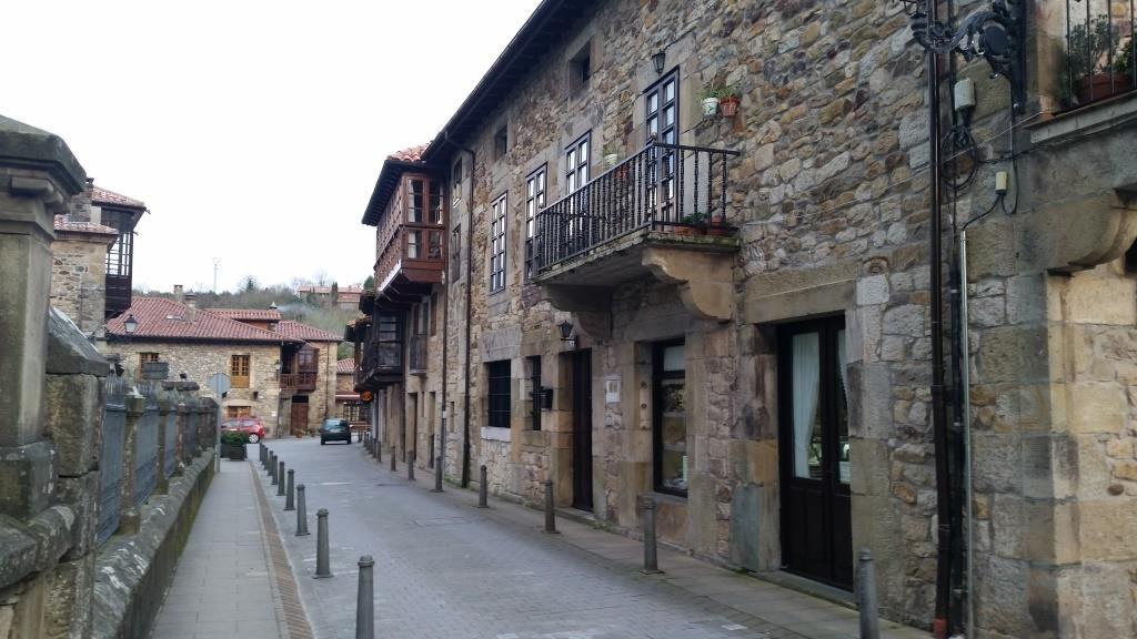 Поездки в красивые селения северной Испании