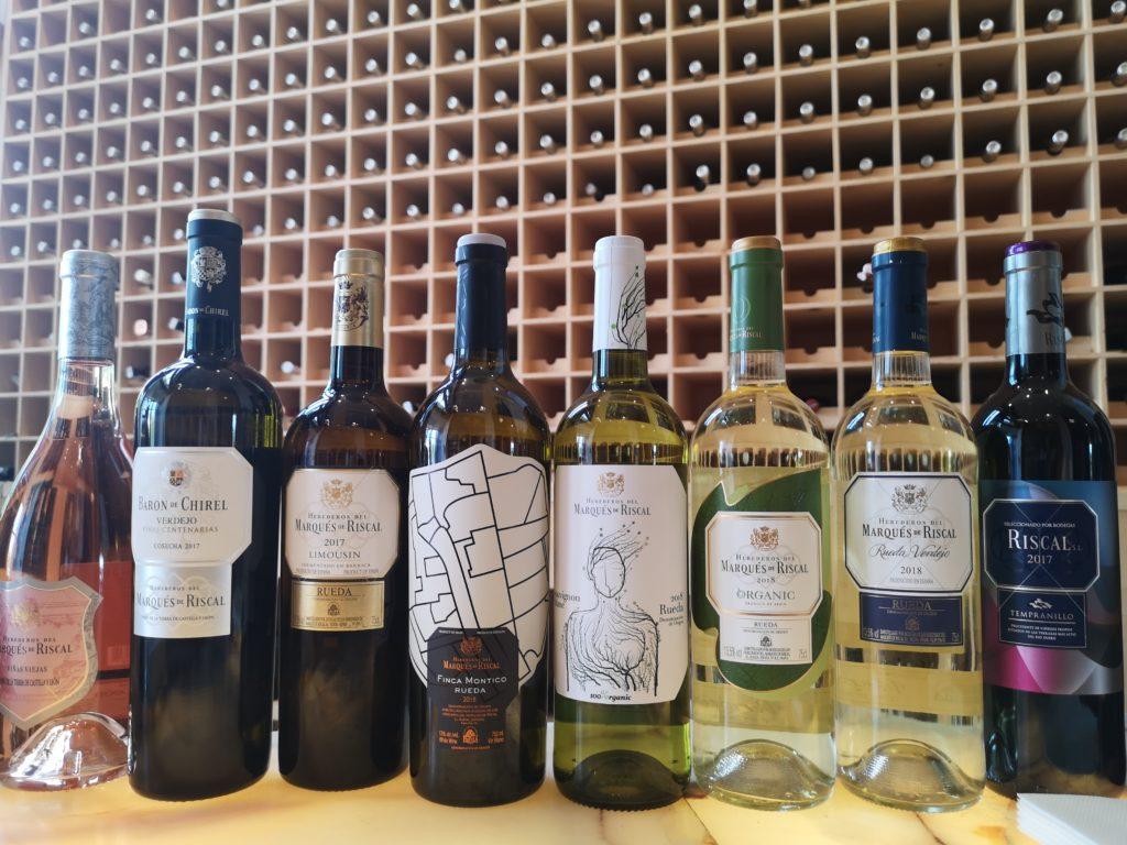 Дегустация различных типов вин Маркиз де Рискаль